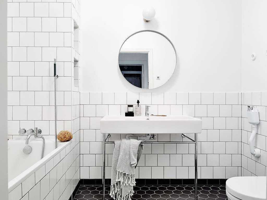Remodeling recipe a budget friendly bathroom design combo - Budget friendly bathroom remodel ...