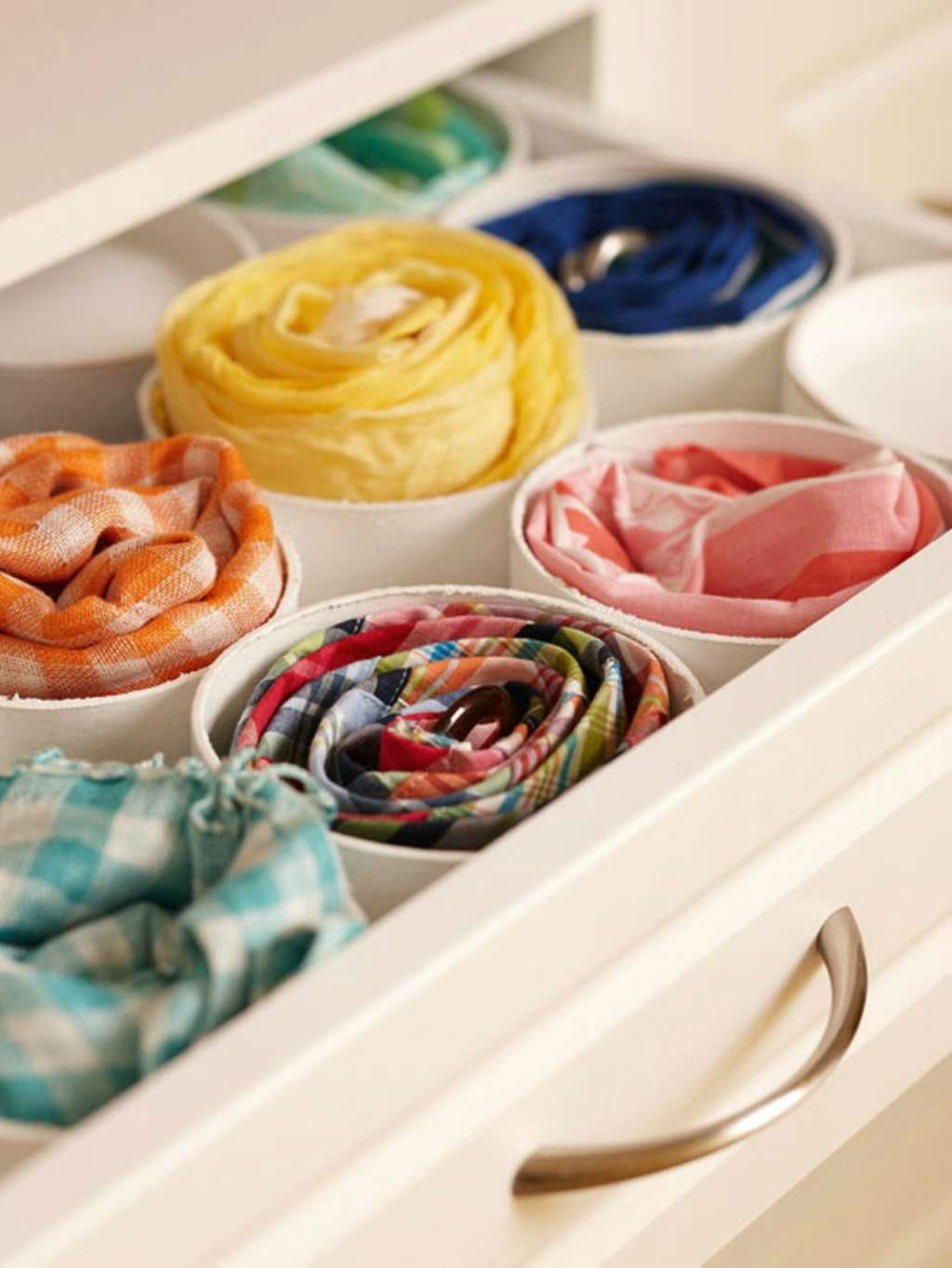 10 Hacks That Will Revolutionize Your Clothing Drawers