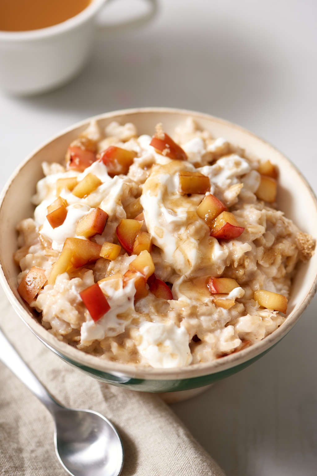 Let the Slow Cooker Wake You Up to a Warm Bowl of Oatmeal