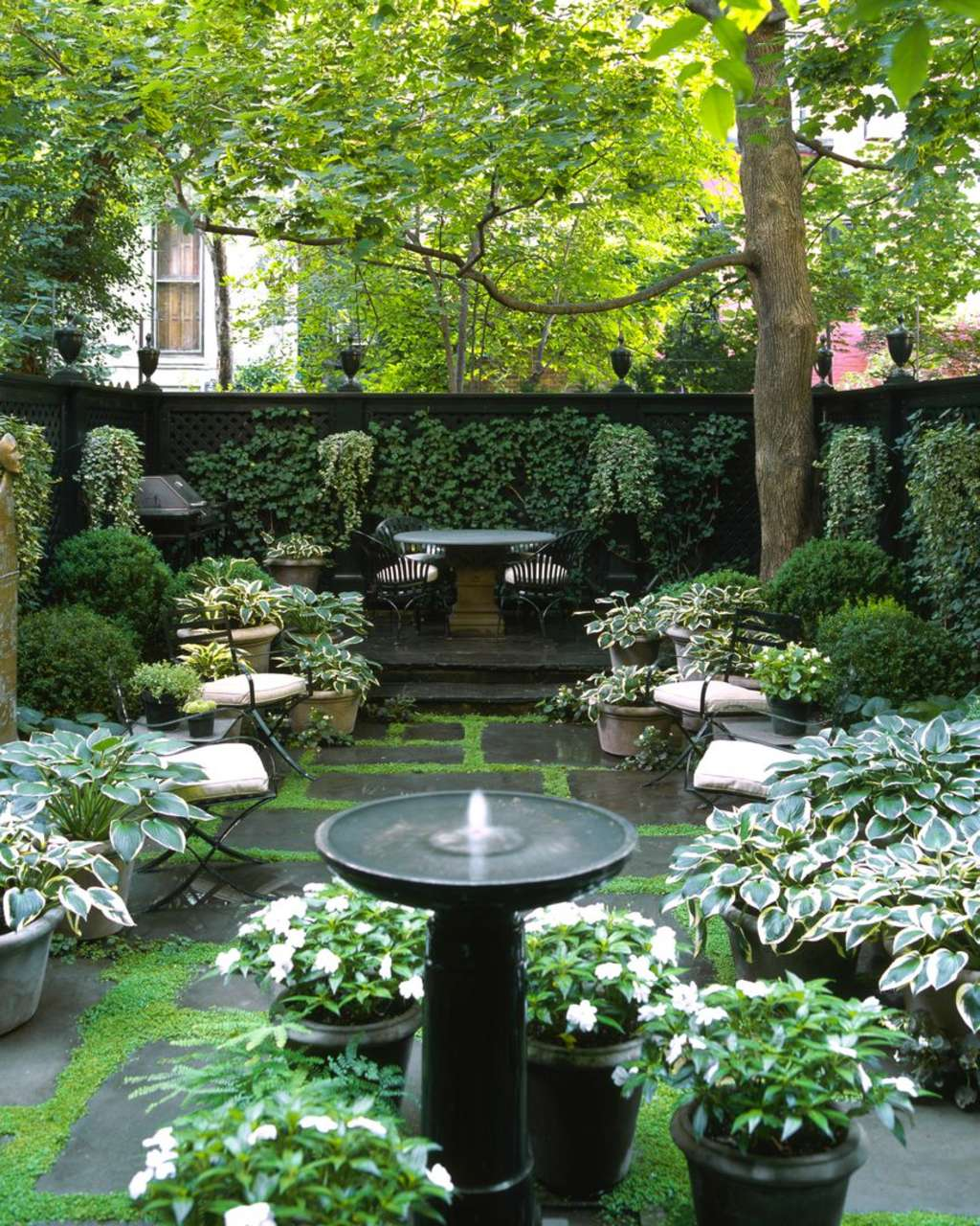 12 Dreamy Backyards In The City