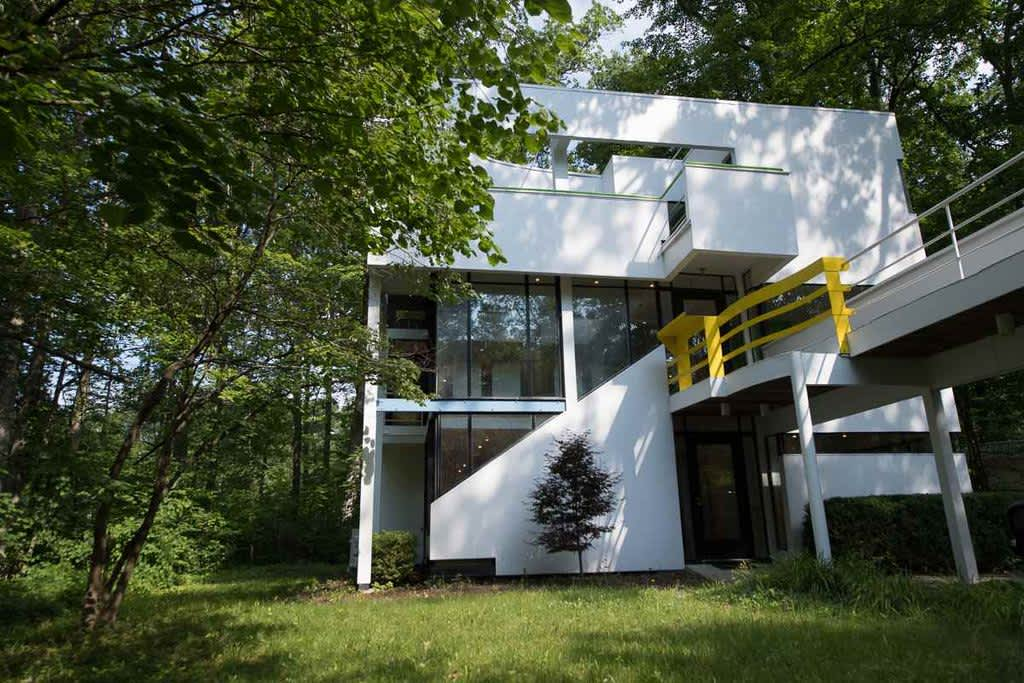 A Michael Graves Modernist Property Is Listed For Just $265K