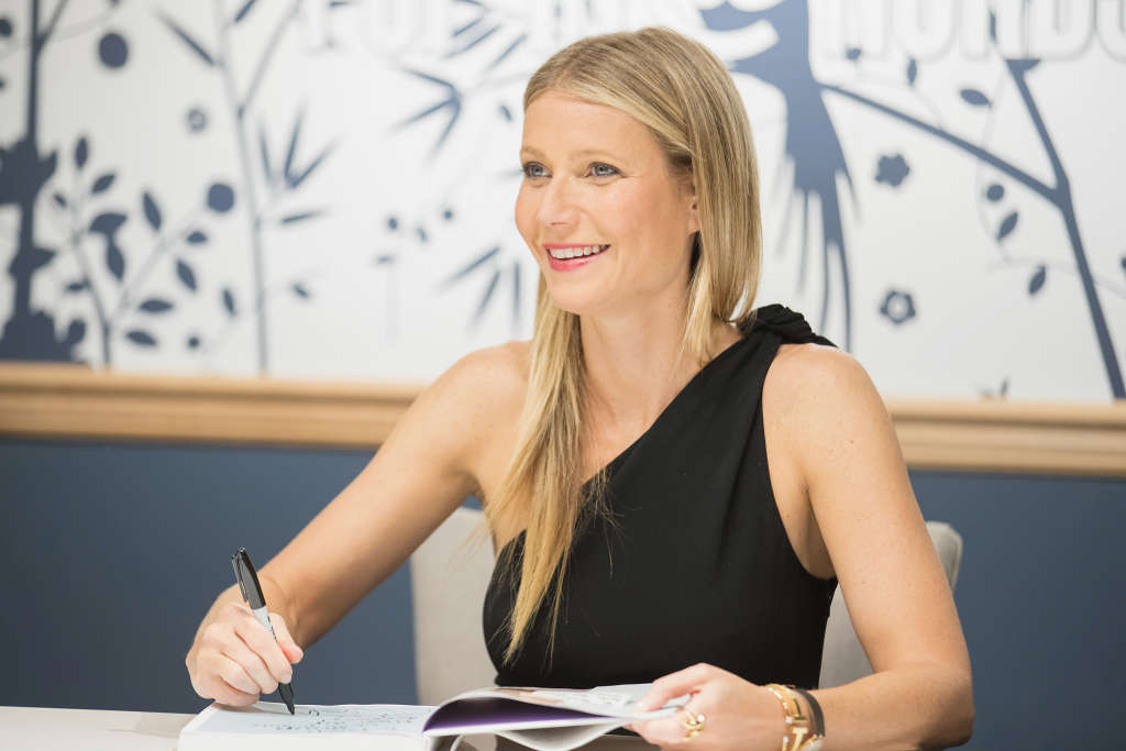 Of Course Gwyneth Paltrow Had Carrot Cake at Her Wedding
