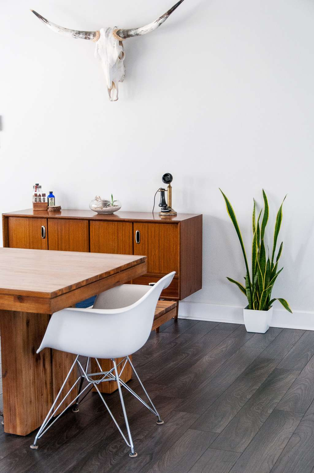 House Tour: A Modern, Minimal Marfa-Inspired Apartment
