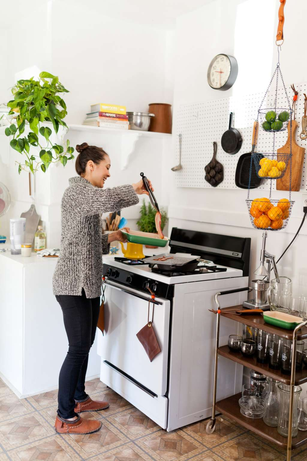 5 Things You Should Always Keep Within Arm's Reach of the Stove