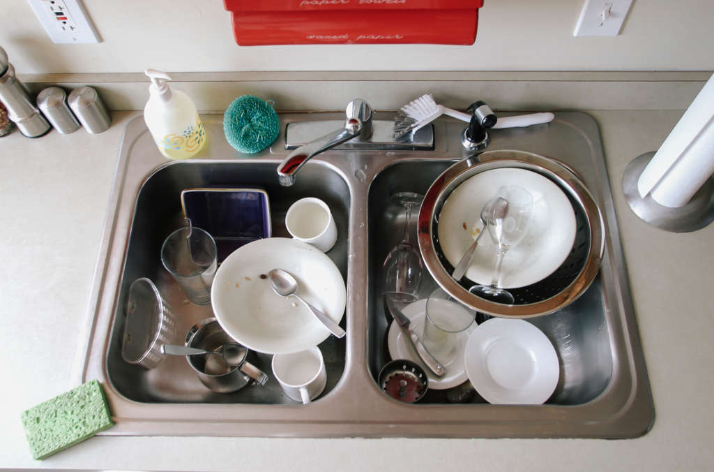 10 Tips to Help You Minimize Mess in the Kitchen