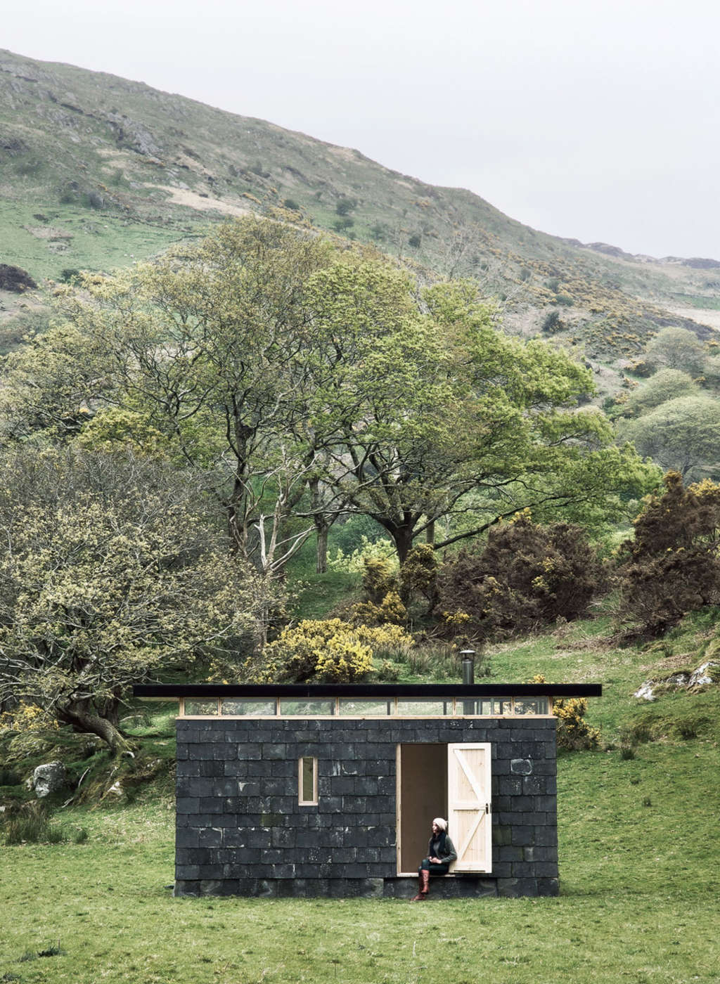 This Tiny House is the Perfect Place to Escape from It All