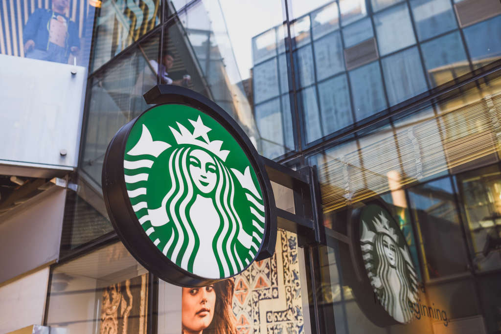 A Starbucks Barista Reveals the Worst Drinks He's Ever Made
