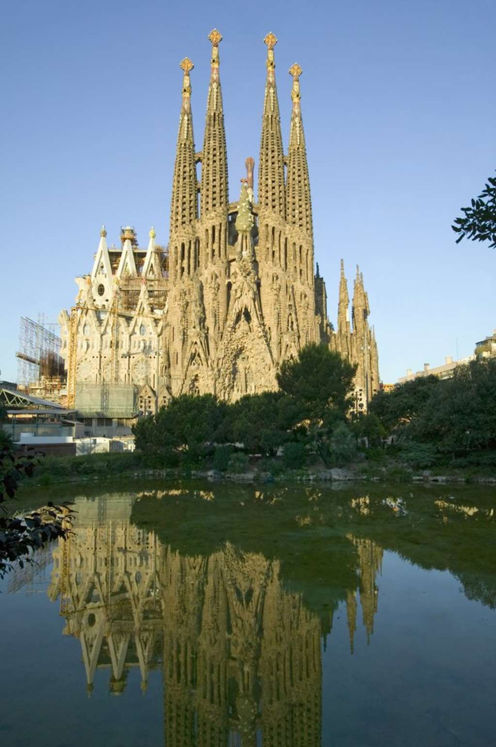 Bucket List: 10 International Buildings Every Architecture Lover Must See