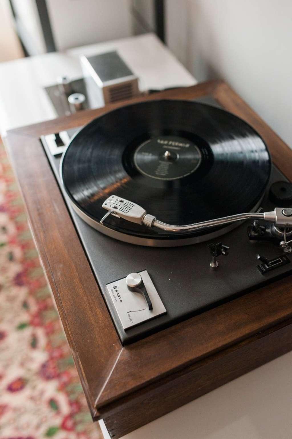 DIY Custom Record Player Resources