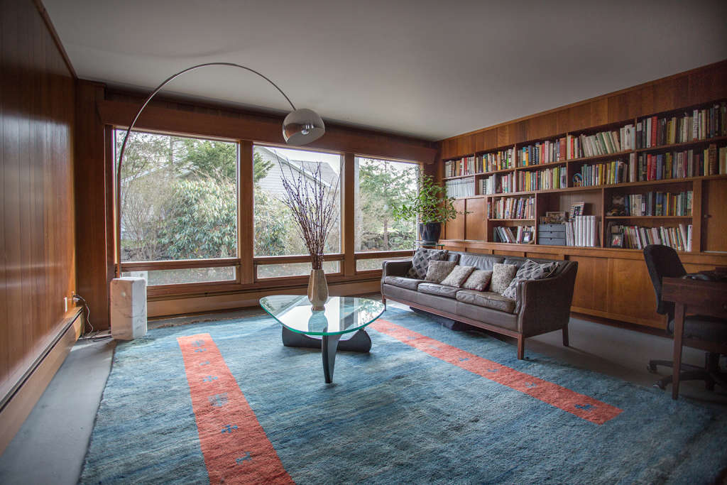 A Perfectly Preserved 1950s Ranch House