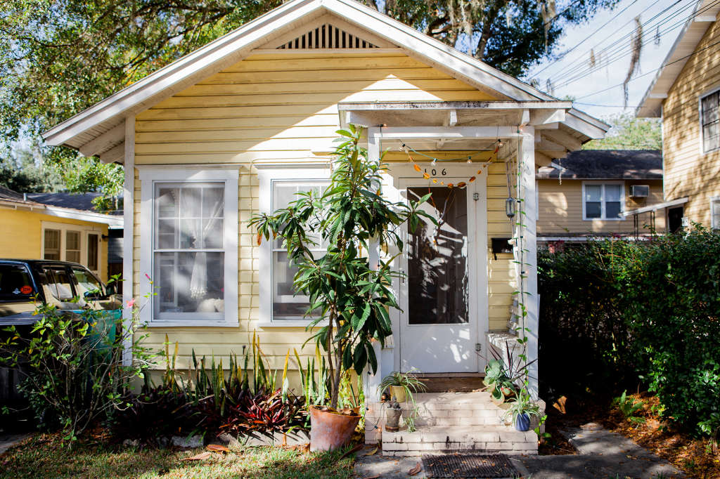 A Tiny 450-Square-Foot Cottage Is Surprisingly Bright Inside
