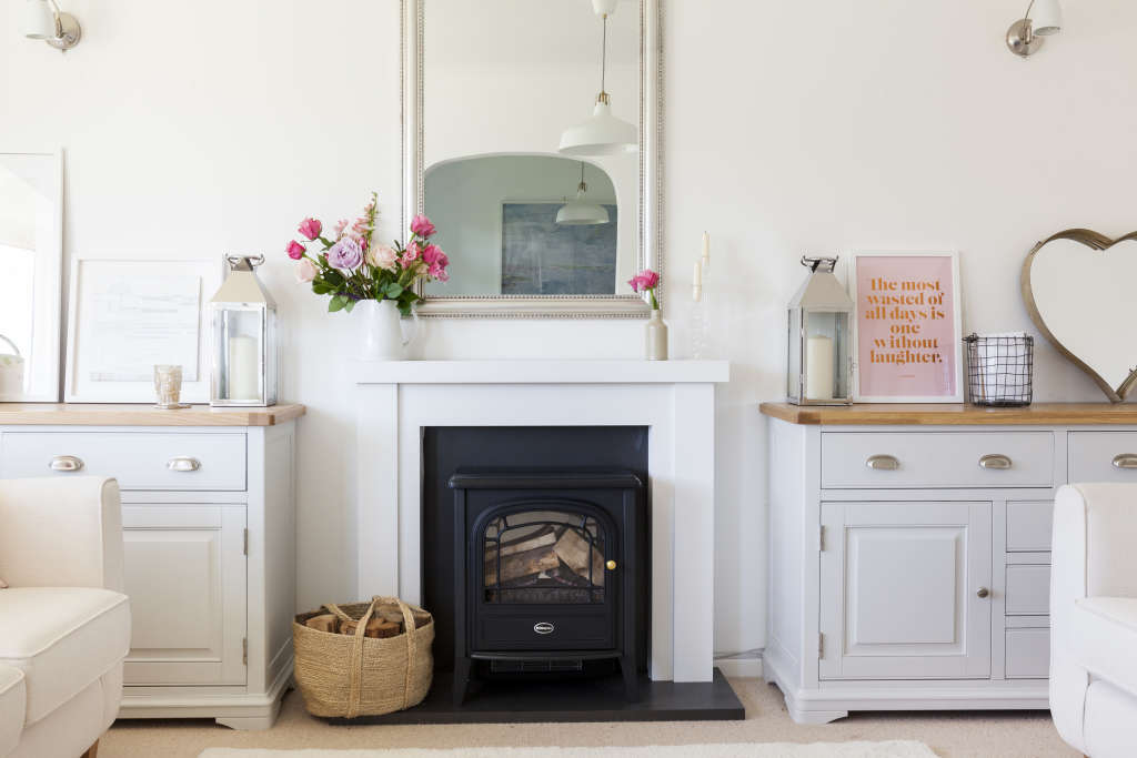 House Tour: A Traditional, Modern English Bungalow