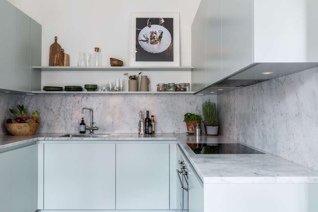 These Kitchens Are the Secret to Warm Minimalism