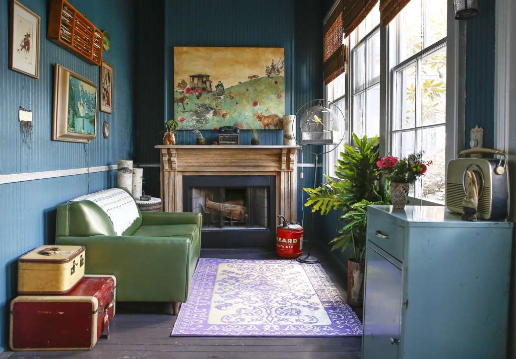 House Tour A Bold and Dramatic