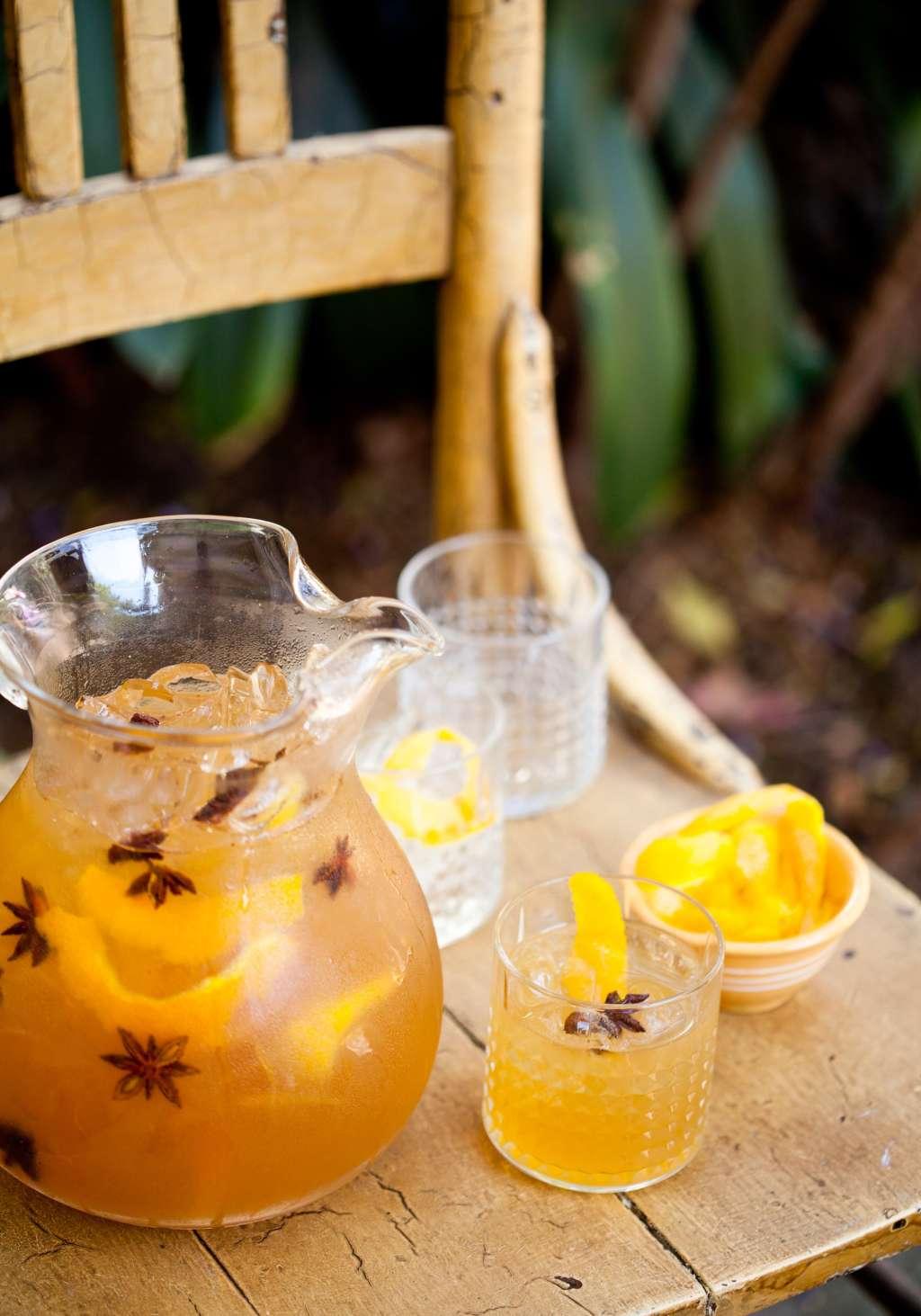 Pitcher Drink Recipe: Spiced Rye & Honey Cocktail