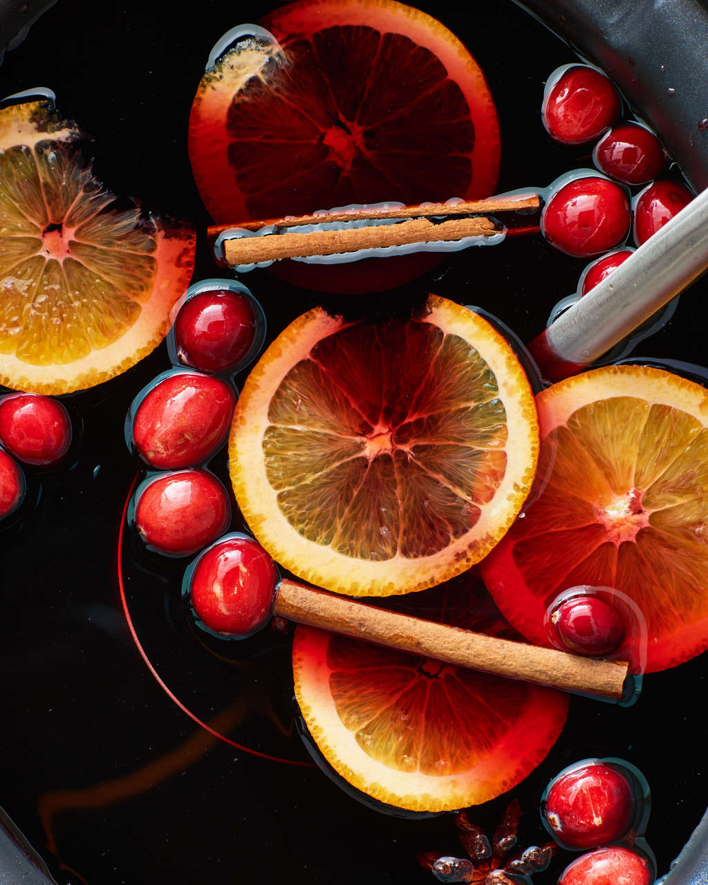 Slow Cooker Mulled Wine Is the Smart Hostess' Party Trick