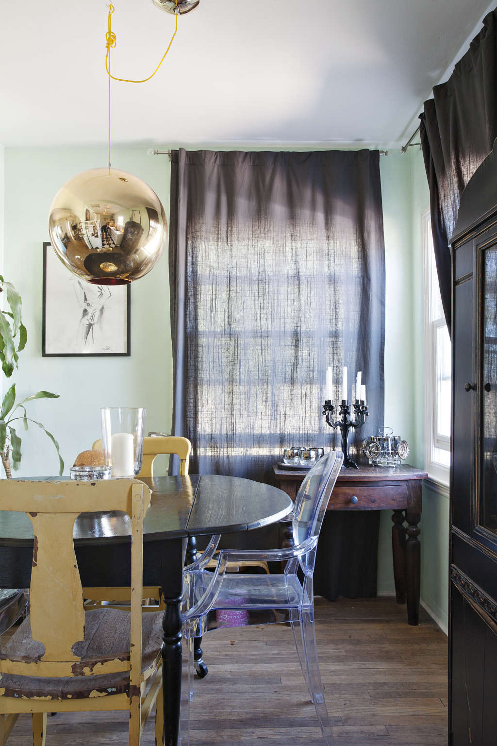 Scientifically Soothing: 6 Successful Green Wall Paint Colors from House Tours