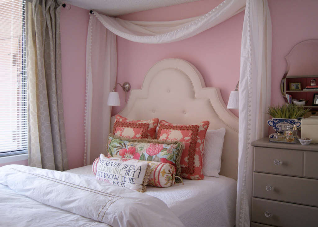"""Meredith's """"Pink Is My Neutral"""" Room"""