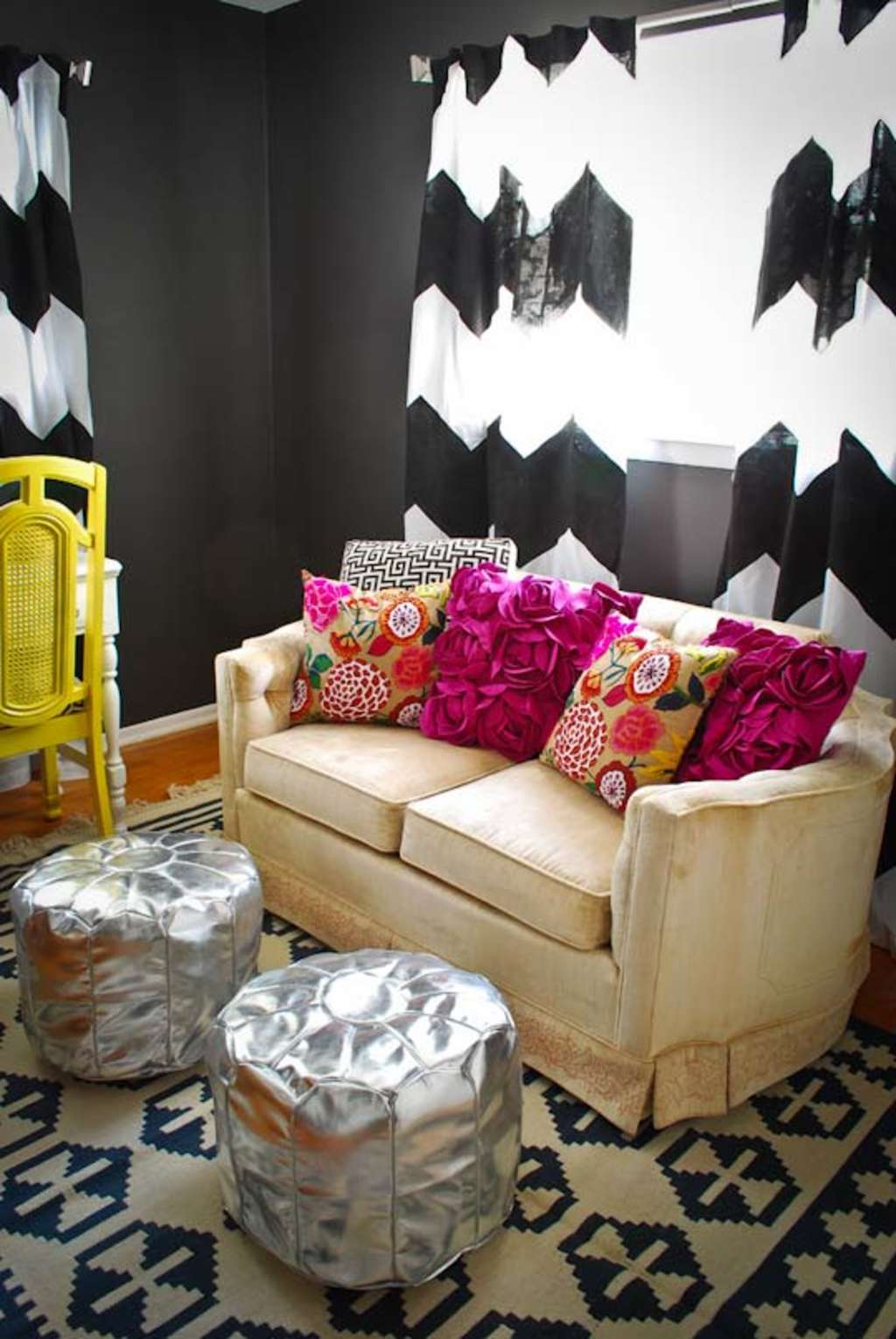 A Bold Happy Pattern Amp Color Mix Apartment Therapy