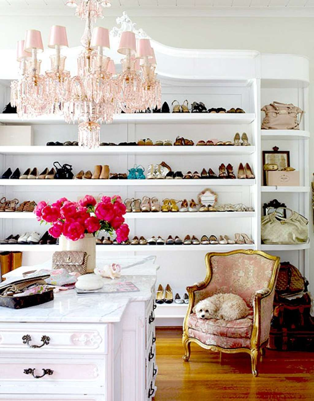13 Bedrooms Turned Into the Dreamiest of Dream Closets