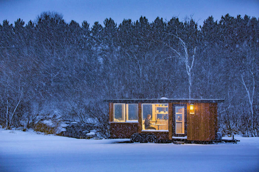The Vista Tiny House is Perfect For Modern Design Lovers