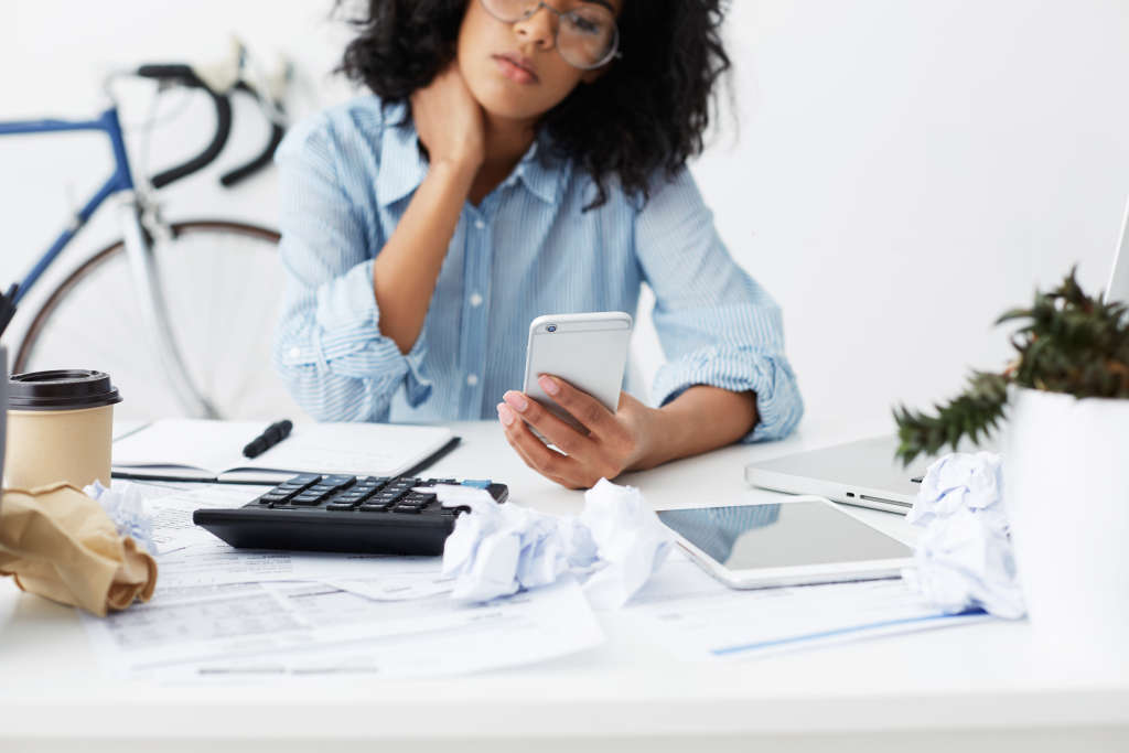 Expert Advice for Breaking the Paycheck-to-Paycheck Cycle
