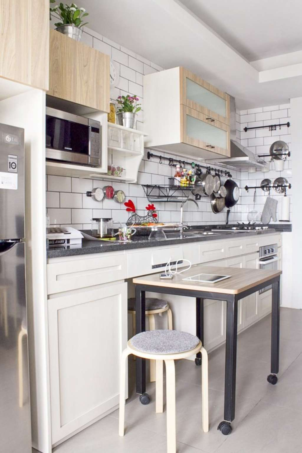 The Kitchen in This Tiny Apartment Is Smart Yet Crazy | Kitchn