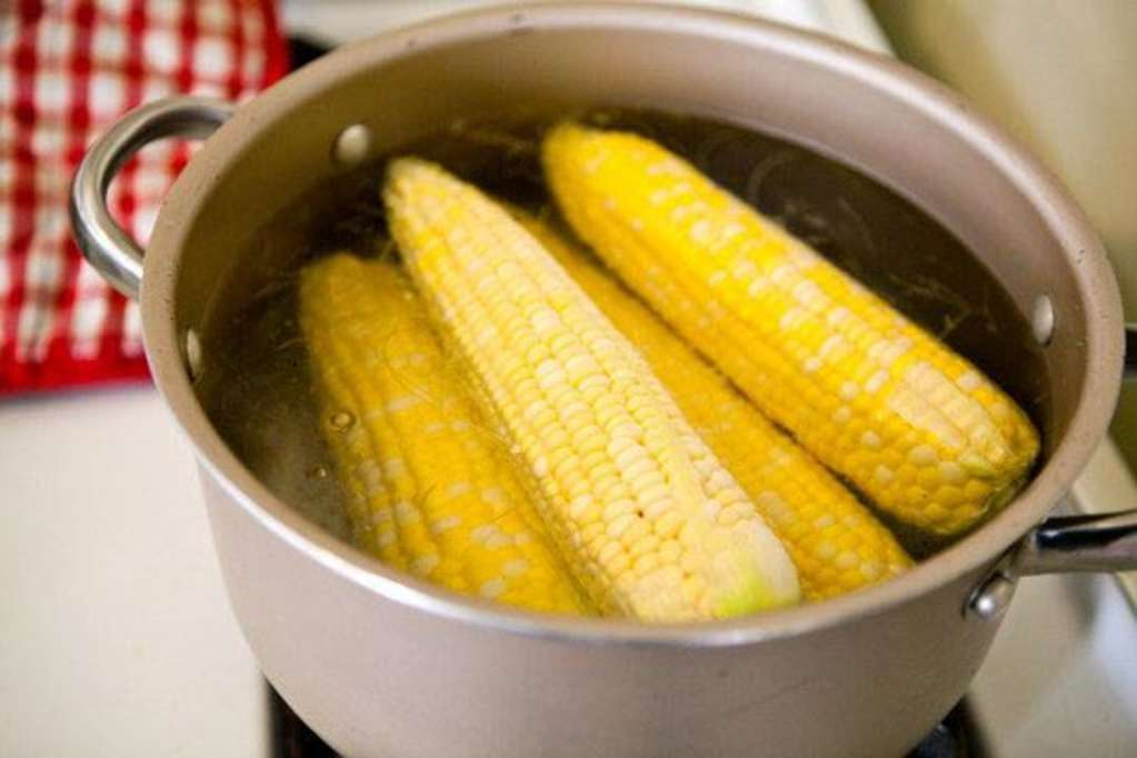 5 Ways to Use up Leftover Corn on the Cob