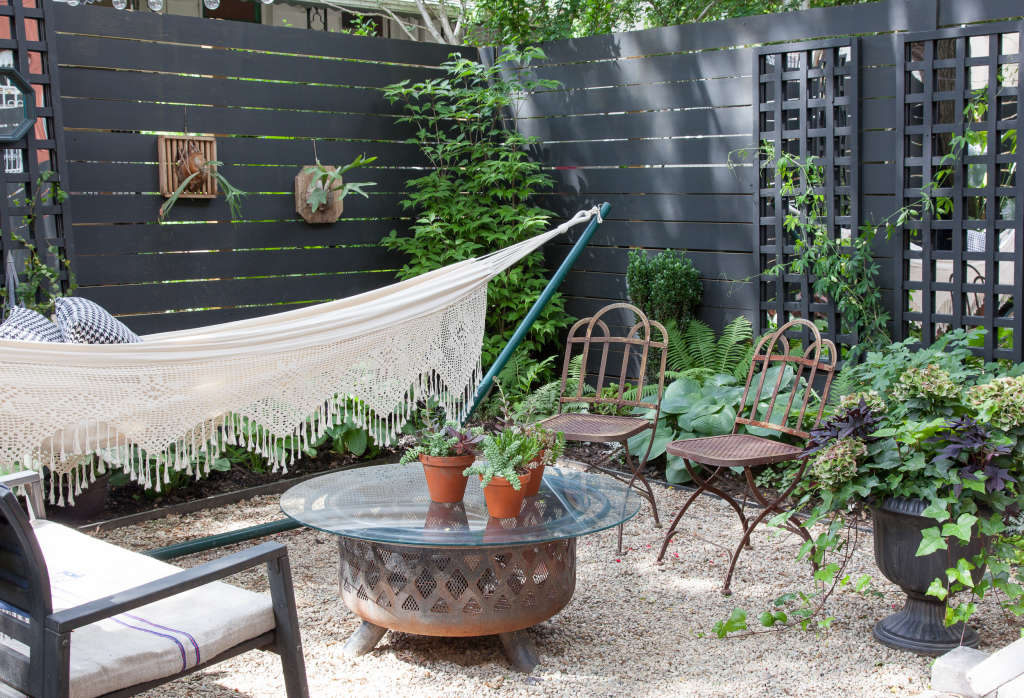 How To Turn Your Backyard into an Outdoor Room | Apartment ...