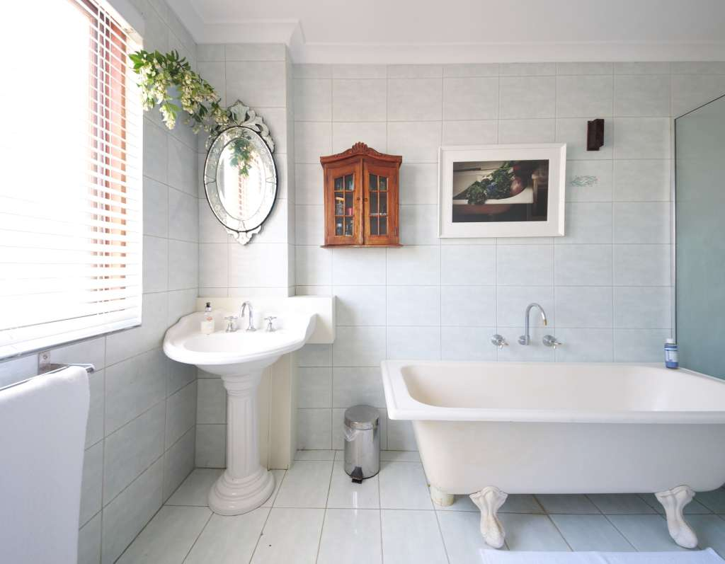 7 Ways to Organize a Bathroom Without a Medicine Cabinet or Drawers Redesigning Tiny Bathrooms Html on updating bathrooms, paint best for humid bathrooms, silver bathrooms, light boxes in bathrooms, organizing bathrooms, remolded bathrooms, vanities for small bathrooms,