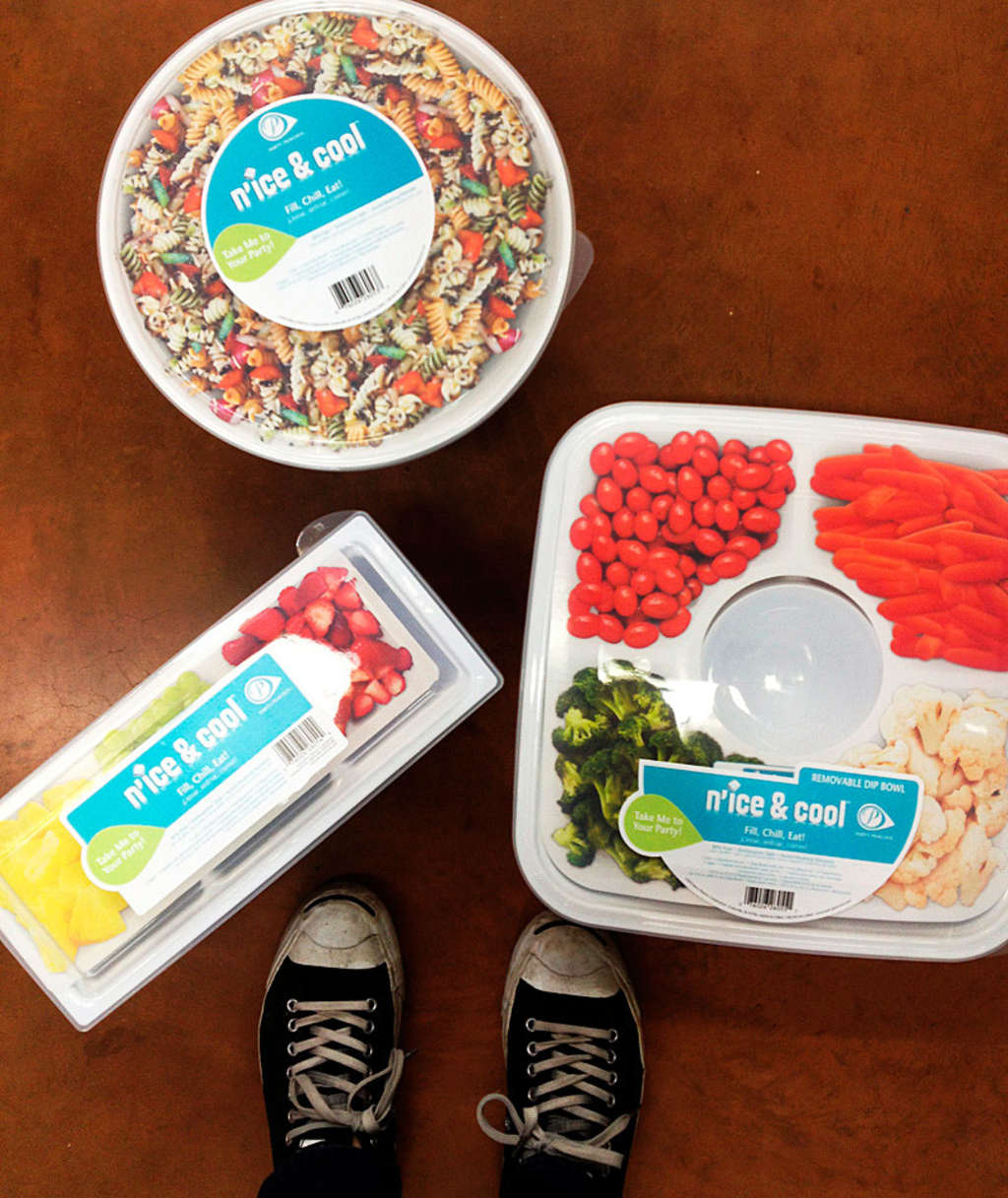 Keep Your Picnic Cool: Frosty Containers for Your Summer Potluck Table