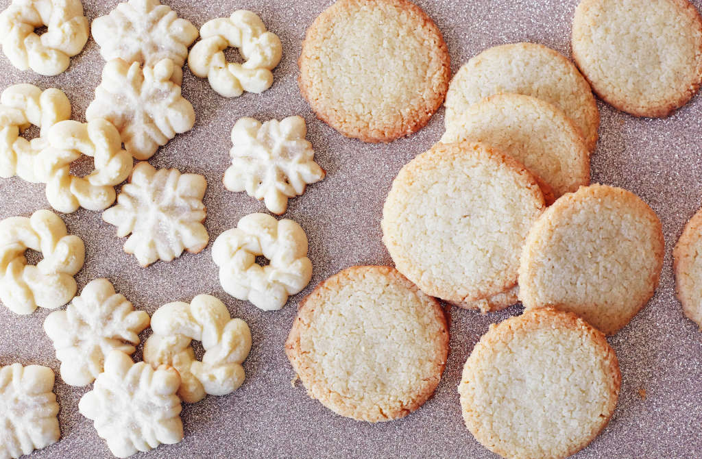 What's the Difference Between Shortbread and Spritz Cookies?