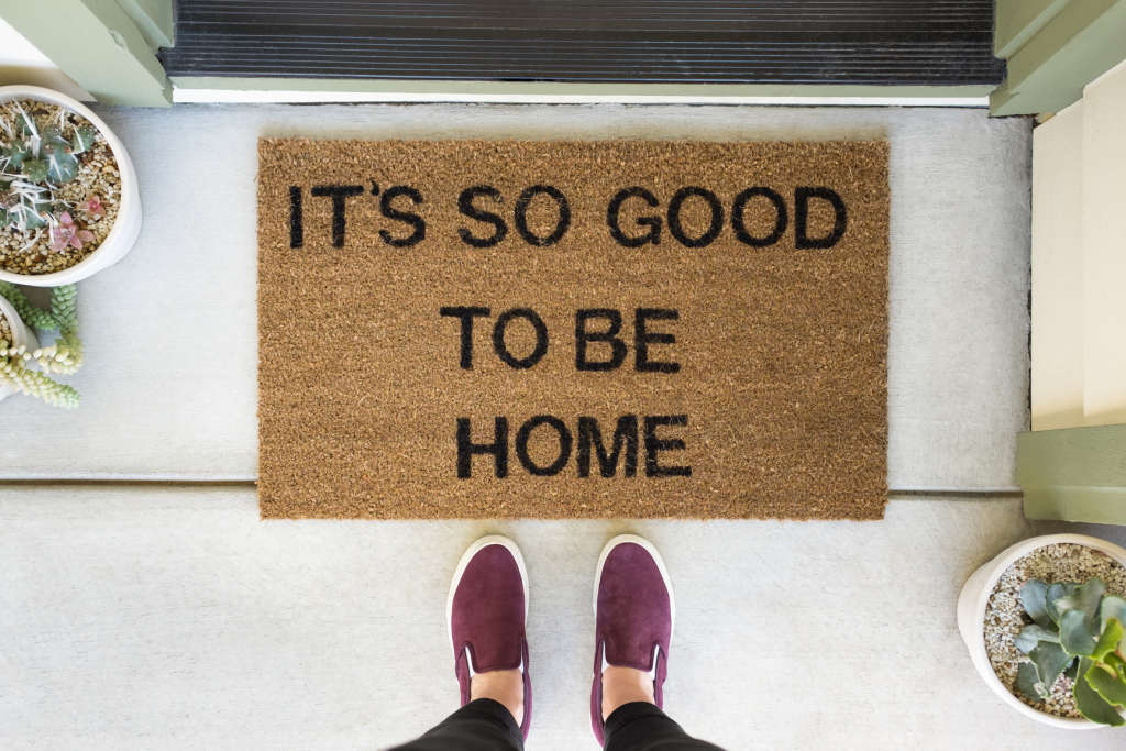 45+ Awesome Housewarming Gift Ideas that Beat a Bottle of Wine