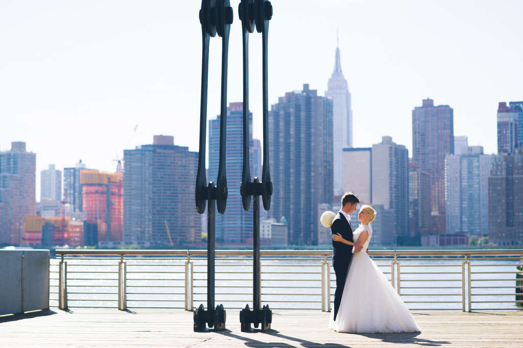 Real Weddings Intimate Rooftop Wedding In Nyc Apartment Therapy