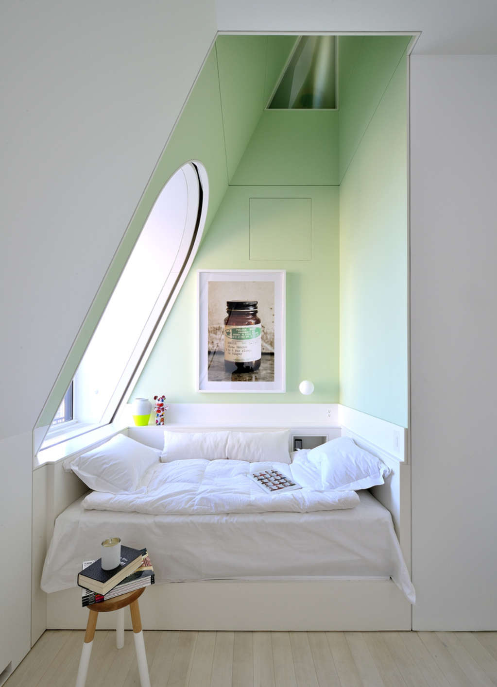 Bed Nooks: The Architectural Womb We Never Want to Leave