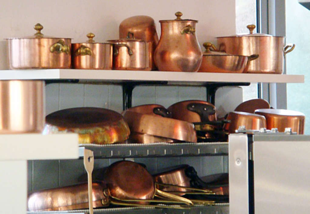 What's the Deal with Reactive (and Nonreactive) Cookware?