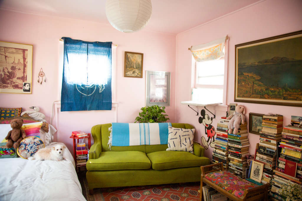 A 450-Square-Foot Backyard Bungalow Is Darling