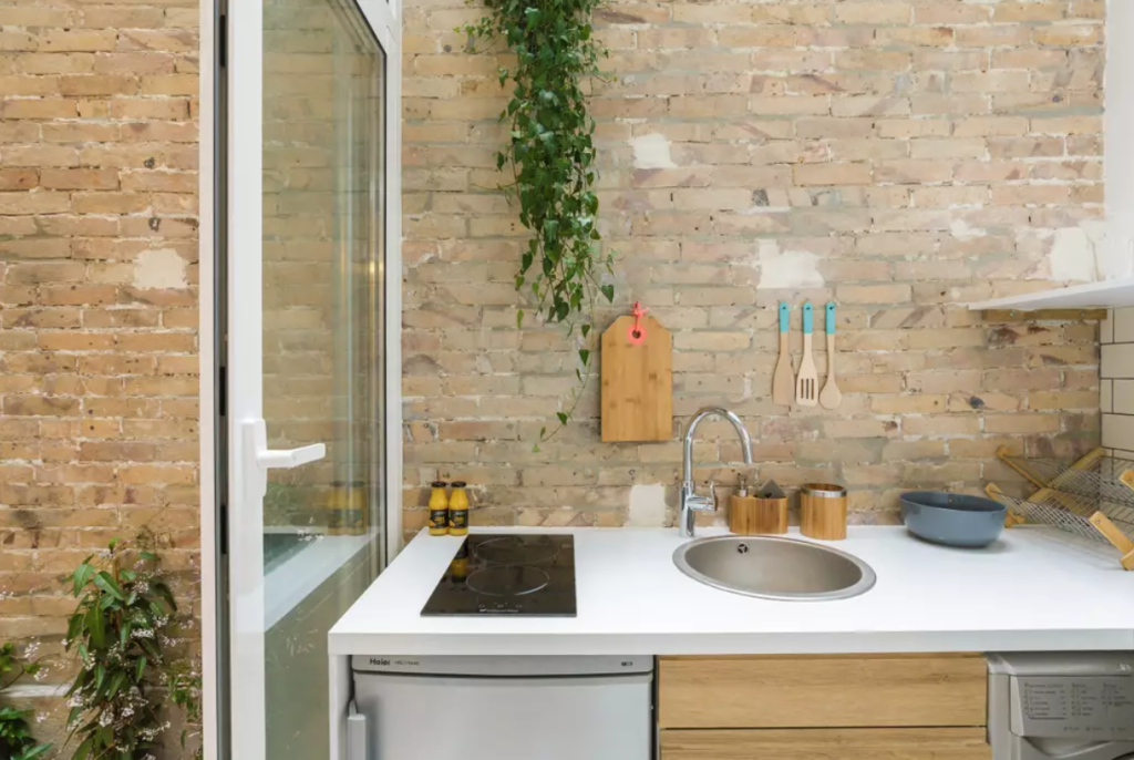 10 Brilliant Storage Ideas to Steal from These Tiny Airbnbs