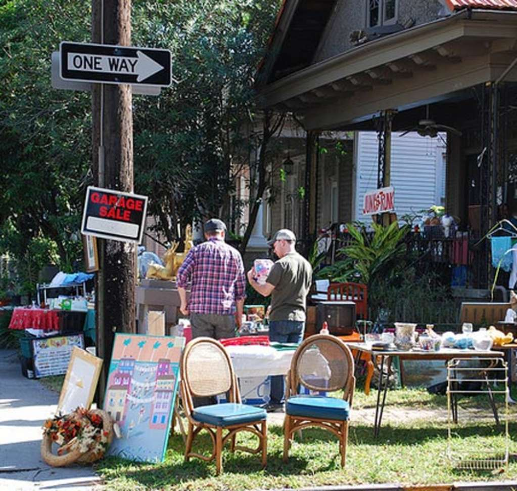 Goodbye and Good Riddance: Our Best Tips for Hosting Yard Sales