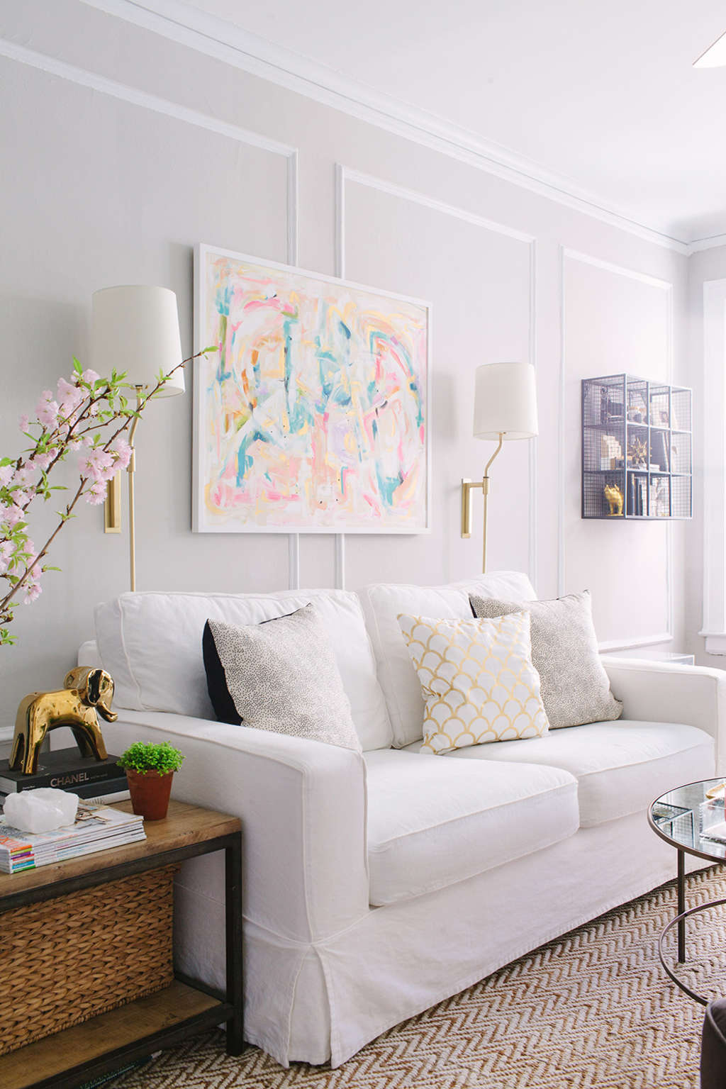 House Tour: A 750 Square Foot Classic Chicago Walk-Up