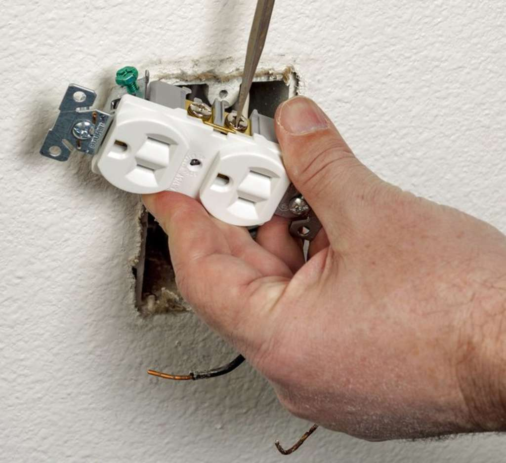 How Much Does It Cost To Install An Electrical Outlet