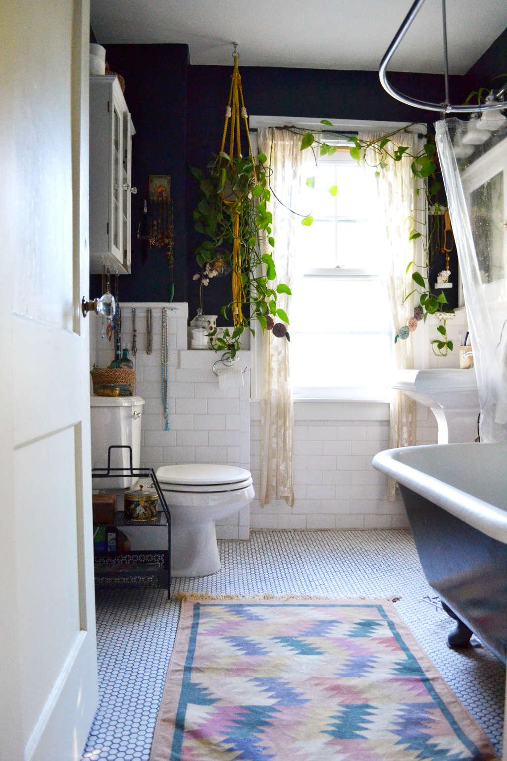 A No-Fail, 3-Part Formula for a Non-Boring Bathroom