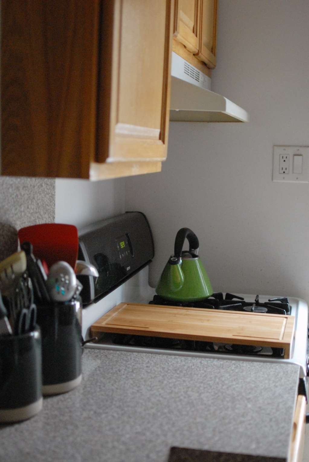 10 Cheap, Renter-Friendly Improvements for Small Kitchens