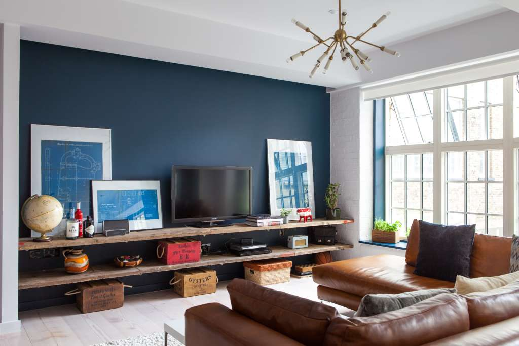 """Tour a """"Lived-In"""" Loft in London's Bustling Soho District"""