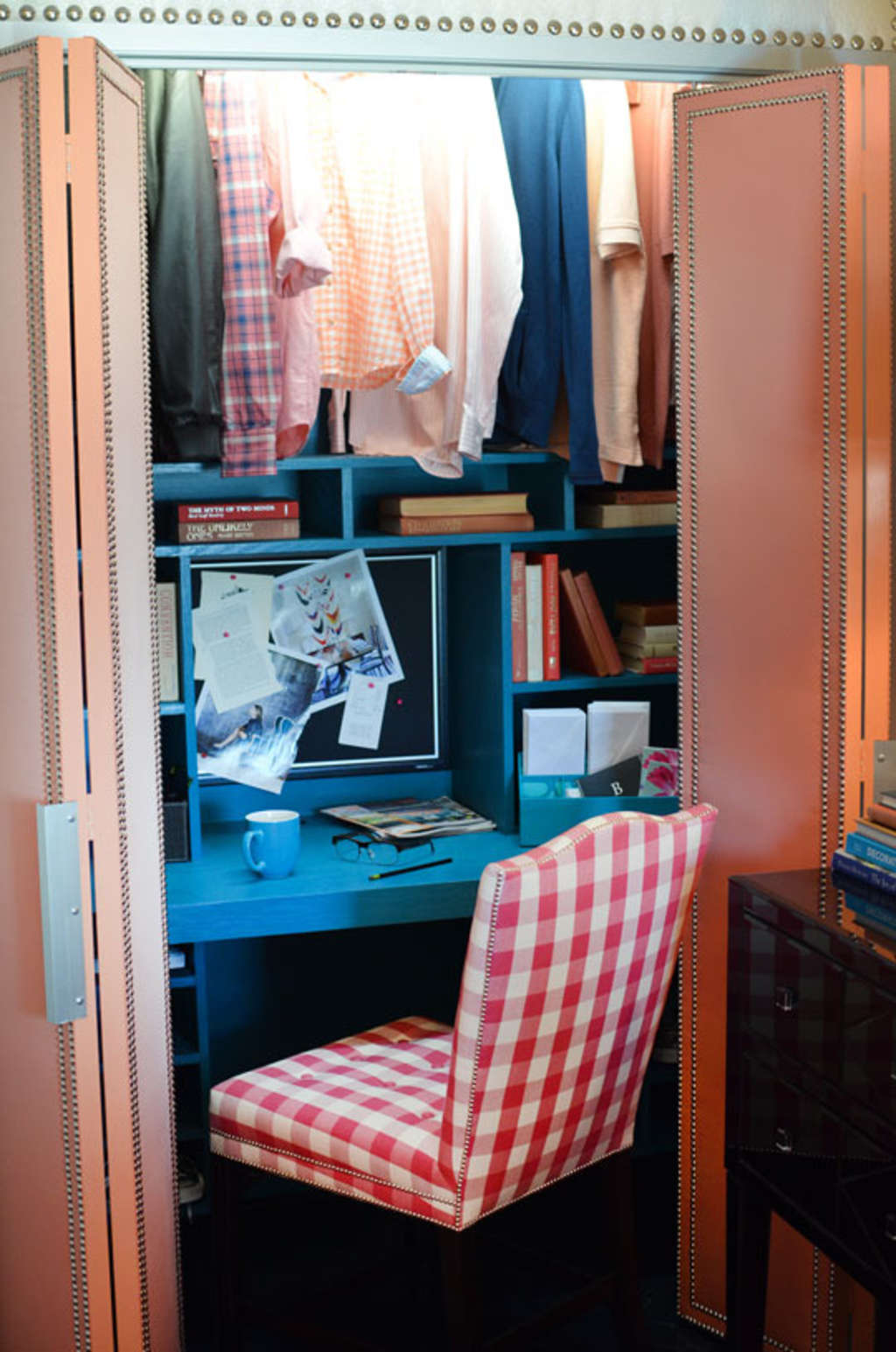 Small Space Big Style S Surprise Closet Home Office