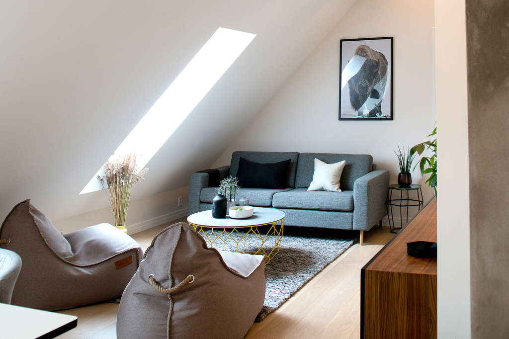 An Airy Oslo Loft Aces Simple, Chic, Classic Style