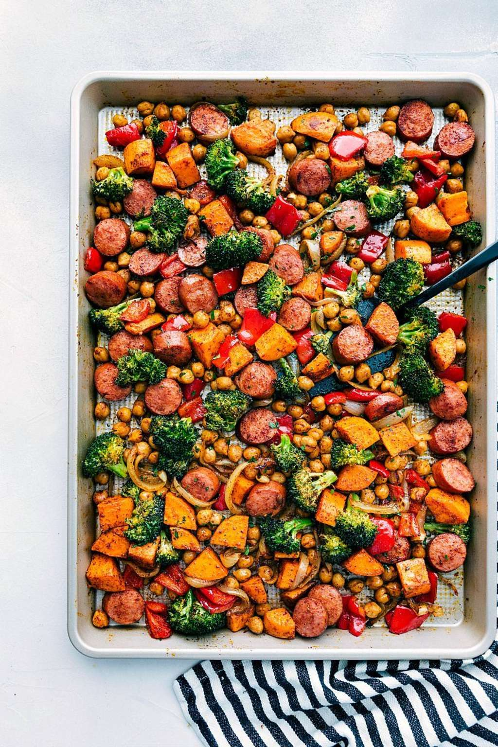 One-Pan Sausage, Chickpeas, and Veggies Is a Meal Prep Miracle — Delicious Links