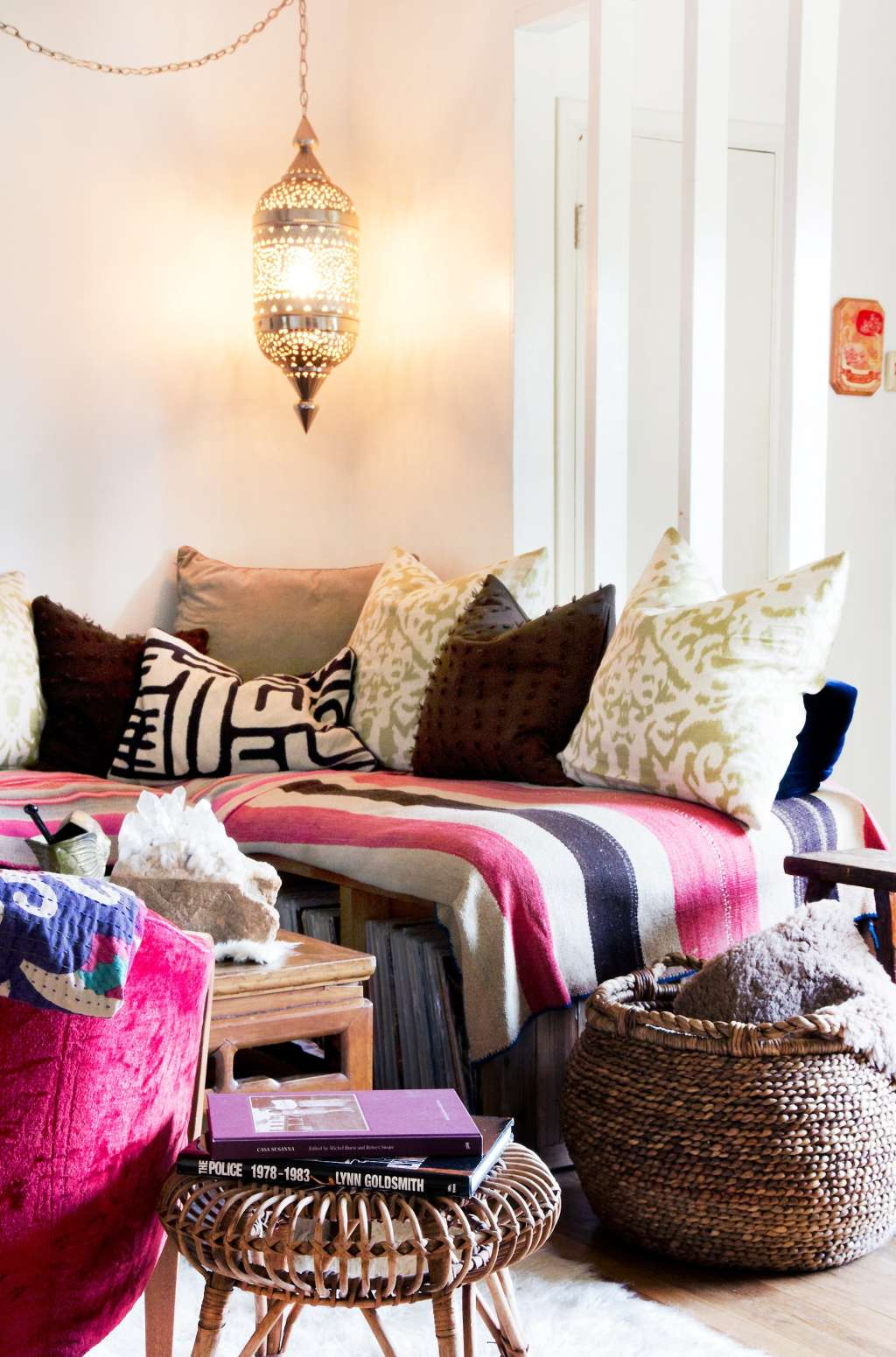 Cozy Nooks, Comfy Chairs, & Fluffy Beds: Just-Right Spots To Get Your Reading On