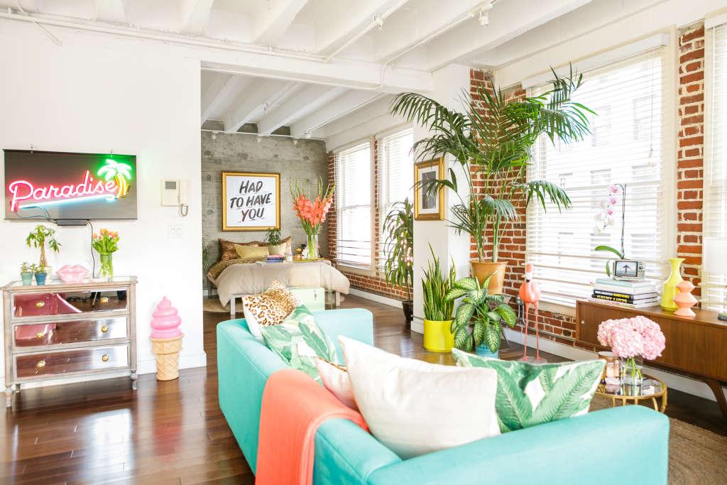 Get the look colorful urban jungle fantasy vibes for Arredare un bilocale