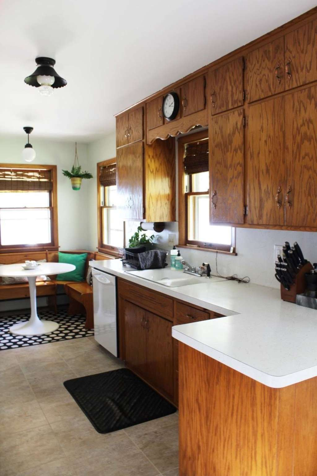 Before & After: An Amazing $200 Kitchen Makeover